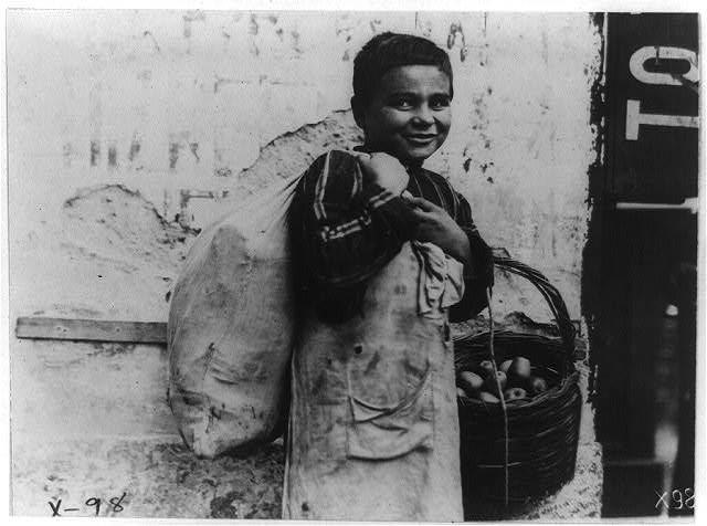 Турско момче во Солун 1918